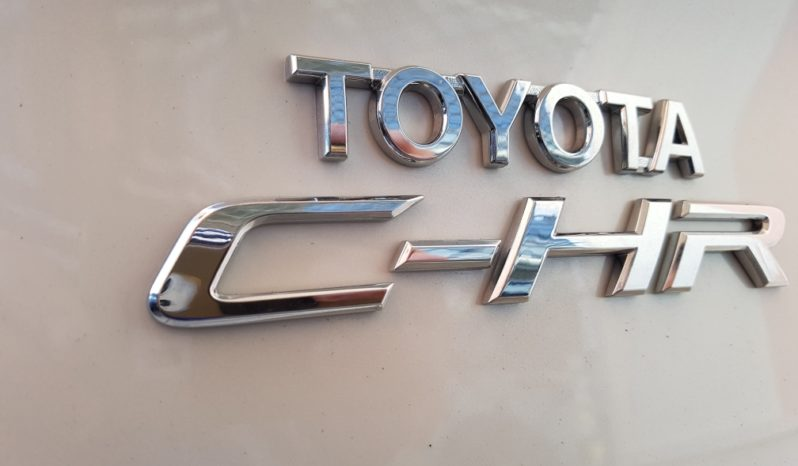 TOYOTA C-HR HYBRID TREND completo