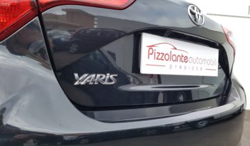 Toyota YARIS 1.0 bz ACTIVE completo