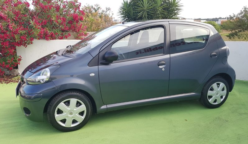Toyota AYGO 1.0 SOL Connect 5p completo