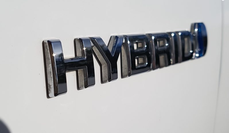 TOYOTA YARIS HYBRID LOUNGE completo
